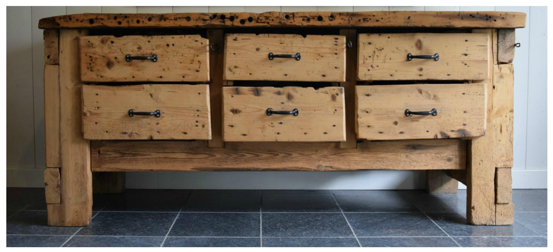 Industriele meubelen op maat oud hout
